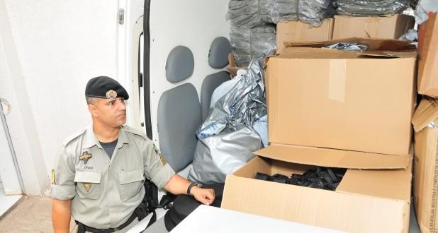 Mais de 450 kits com itens do fardamento são entregues pela Fundação Tiradentes