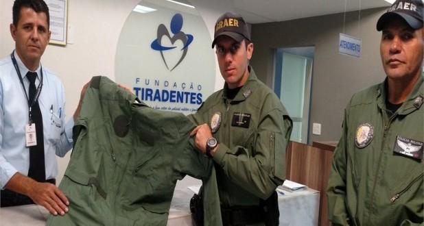 Fundação Tiradentes entrega macacões de vôo ao Graer